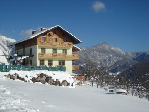 Hotel Pictures: Familienbauernhof Christa, Rossleithen