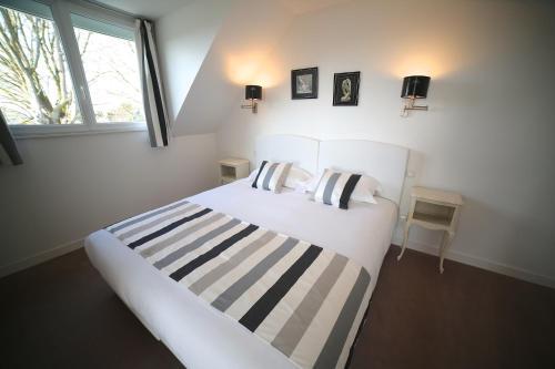 Hotel Pictures: , Saint-Hilaire-du-Harcouët