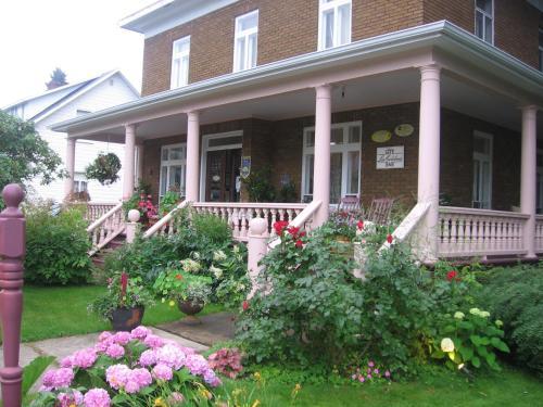 Hotel Pictures: Les Colibris, Baie-Saint-Paul