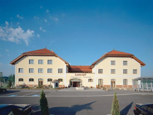 Fotografie hotelů: Landzeit Restaurant Voralpenkreuz, Sattledt