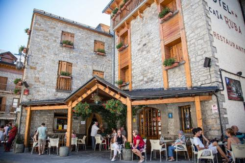 Hotel Pictures: Hotel Casa Ruba, Biescas