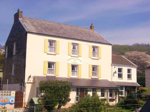 Hotel Pictures: Saffron House, Combe Martin