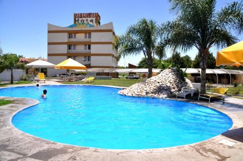 Hotel Pictures: Hotel Apart Alkristal, San Juan