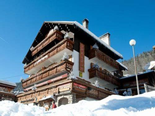 Hotel Pictures: Logis La Montagne, La Clusaz