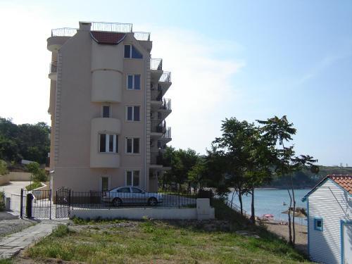 Hotellikuvia: Villa Lazuren Bryag 2, Chernomorets