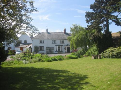 Hotel Pictures: Chirkenhill Farm, Great Malvern