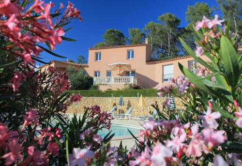 Hotel Pictures: Villa Nassalia, Lorgues