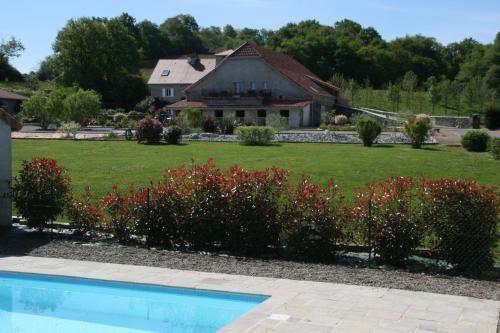 Hotel Pictures: Manoir Théas, Barraute-Camu