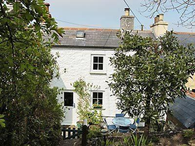 Hotel Pictures: Pathfields Cottage, Liskeard