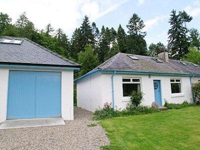 Hotel Pictures: Little Forest Cottage, Fort Augustus