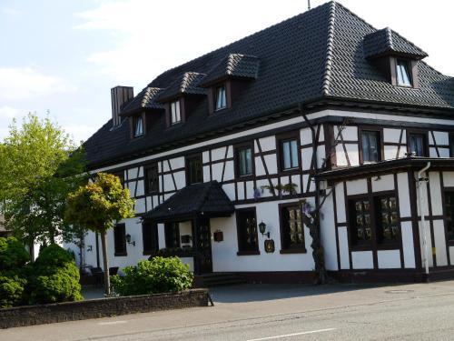 Hotel Pictures: Hotel zum Schwan, Hügelsheim