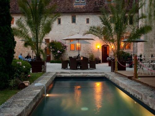 Hotel Pictures: , Verteuil-sur-Charente