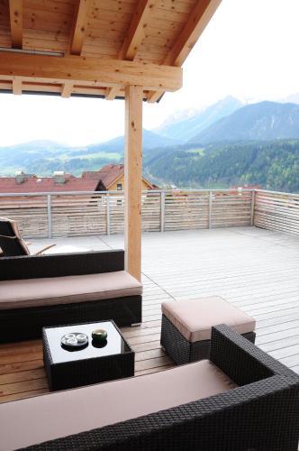 Hotel Pictures: Alpine Living - Luxus Appartements, Haus