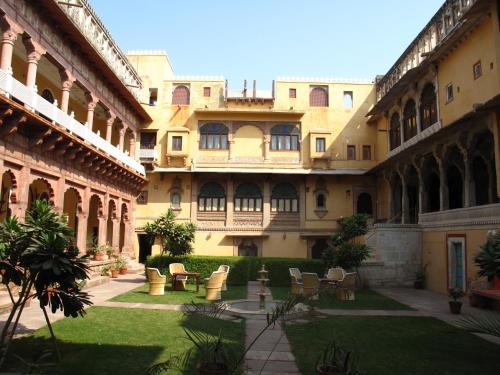 Hotel Chanoud Garh