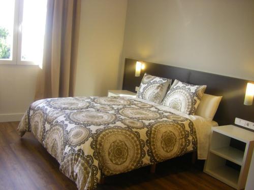Hotel Pictures: Bari, Alcalá de Henares