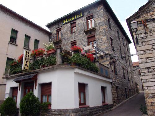 Hotel Pictures: Hostal Pirineos, Sarvisé