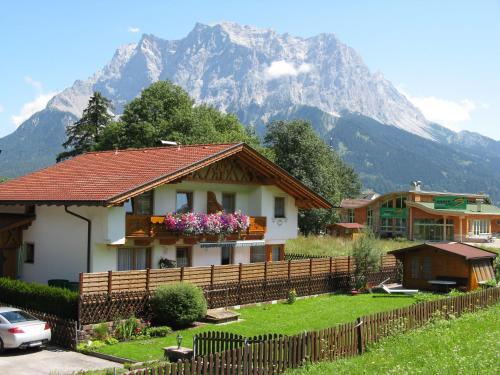 Zdjęcia hotelu: Appartements Schneezauber, Lermoos