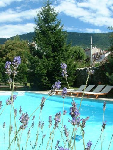 Hotel Pictures: , Saint-Jean-en-Royans