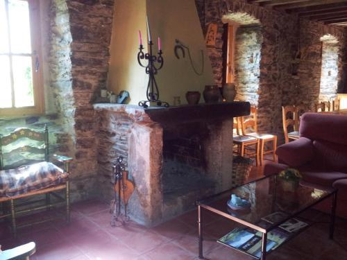 Hotel Pictures: , Murias de Paredes