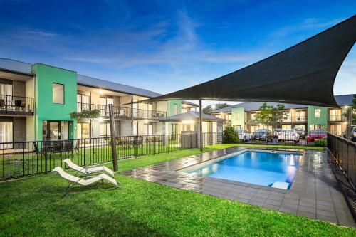 Fotografie hotelů: Quest Sale Serviced Apartments & Conference Centre, Sale