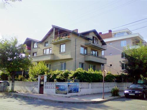 Zdjęcia hotelu: Guest House in Primorsko, Primorsko