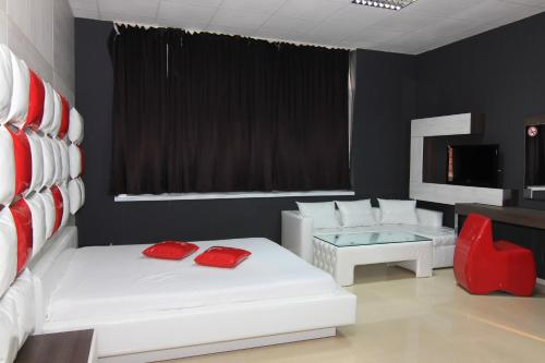 Bedroom Place Guest Rooms