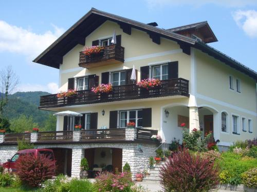 Foto Hotel: Ferienwohnungen Haus Peer, Bad Goisern