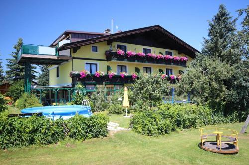 Fotos de l'hotel: Appartement & Ferienwohnung Hemetsberger, Sankt Georgen im Attergau