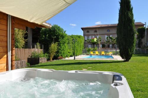 Hotel Pictures: , Bondigoux