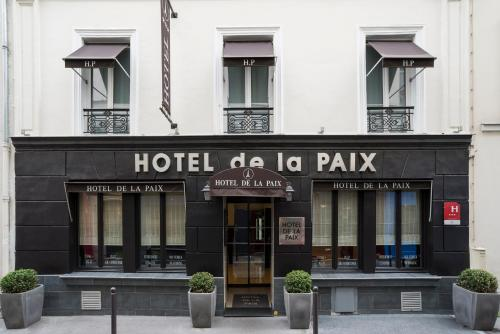 Le p 39 tit troquet paris a michelin guide restaurant for Hotels 75007