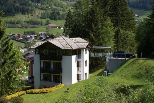 Fotos do Hotel: Haus im Turm, Bad Kleinkirchheim
