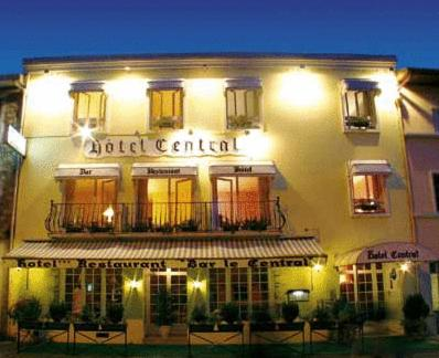 Hotel Pictures: Le Central, Peyrehorade
