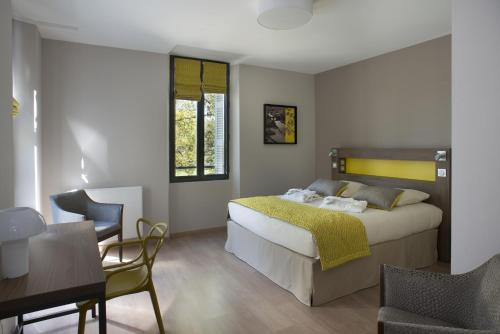 Hotel Pictures: , Parthenay