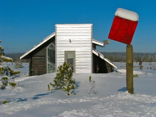 Hotel Pictures: Norton North Ranch Cottages, Prince George
