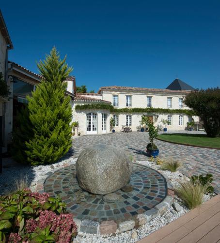 Hotel Pictures: , Saint-Médard-d'Eyrans