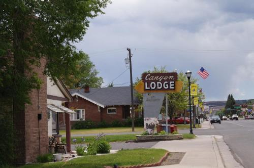 Canyon Lodge Motel
