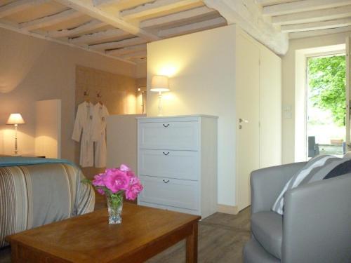 Hotel Pictures: , Vaux-sur-Seulles