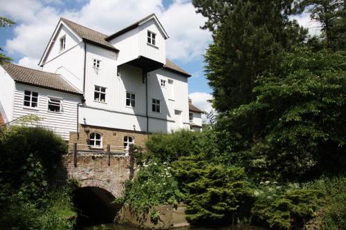 Hotel Pictures: Little Hallingbury Mill, Bishops Stortford
