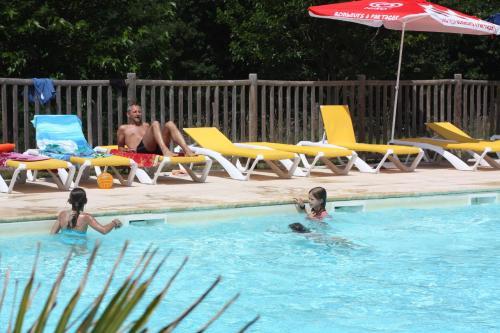 Hotel Pictures: Village de Gite - La Cascade, Sainte-Eulalie-d'Olt
