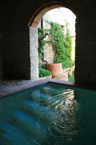 Hotel Pictures: Can Sulo, Vallbona de les Monges