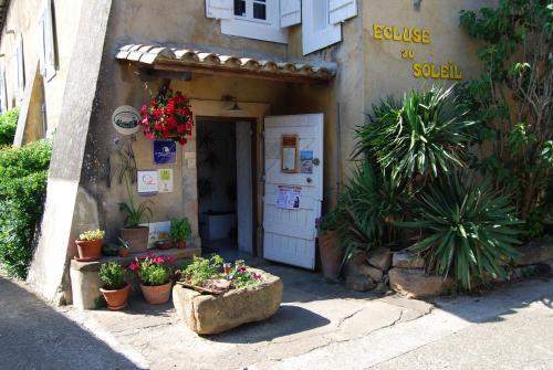 Hotel Pictures: Le Jardin de la Sals (Ecluse au Soleil), Sougraigne