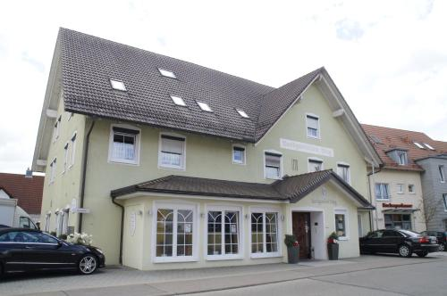 Hotel Pictures: Sonnenhalde Landgasthof Bieg, Neuler