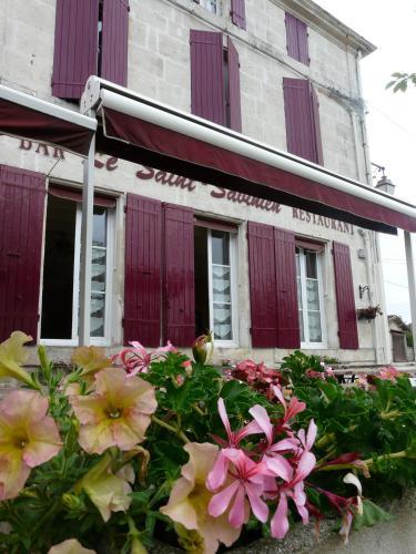 Hotel Pictures: , Saint-Savinien