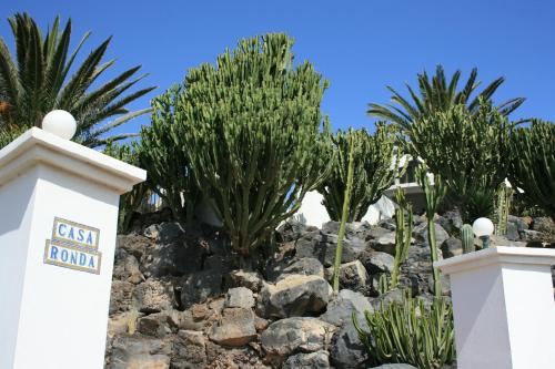 Hotel Pictures: Casa Ronda, Charco del Palo