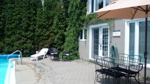 Hotel Pictures: Appartement Bellevue, Saint-Félicien