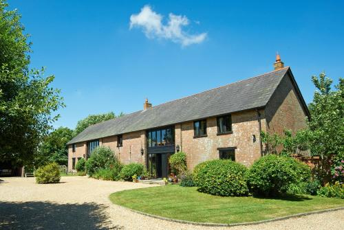 Hotel Pictures: Hilltop Barn, Blandford Forum