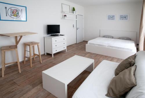 Hotel Pictures: Apartmen JEN INN, Litomyšl