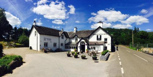 Hotel Pictures: The Bridge Of Lochay Hotel, Killin