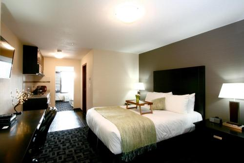 Hotel Pictures: Foxwood Inn & Suites Drayton Valley, Drayton Valley
