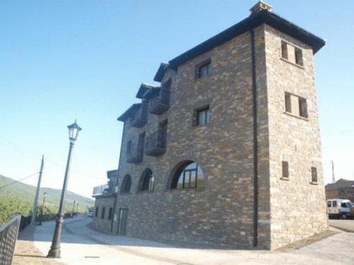 Hotel Pictures: Apartamentos Pirineos Ordesa, El Pueyo de Araguás